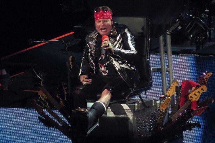 Axl Rose no trono de Dave Grohl