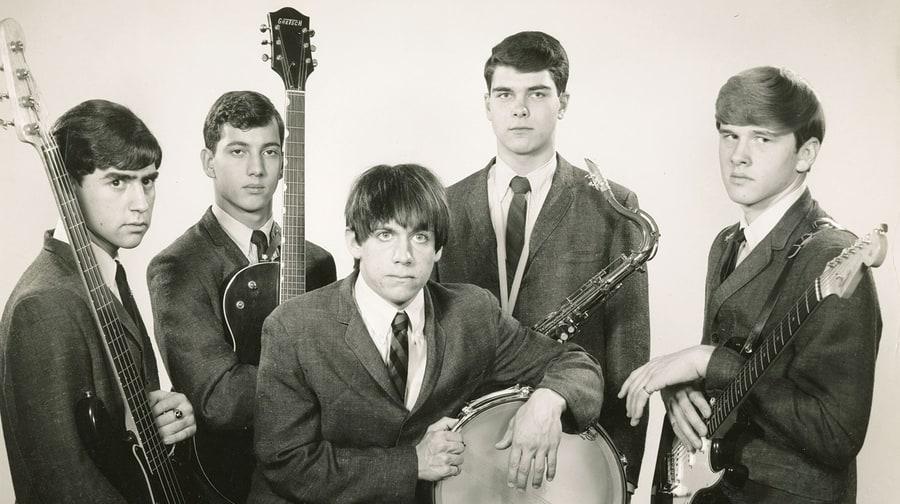 Foto do grupo The Iguanas, com o jovem Iggy Pop ao centro (Foto: Reprodução)