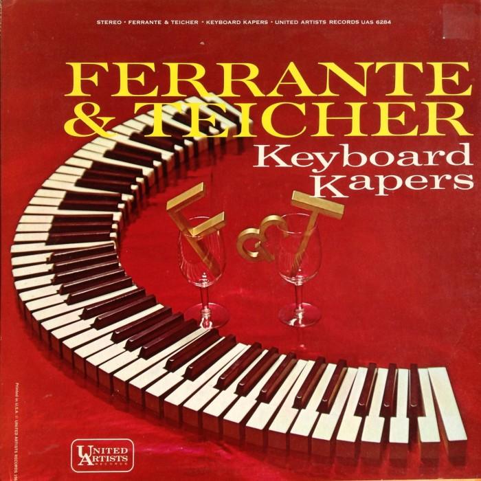 A capa de Slanted and Enchanted é uma intervenção no LP de easy-listening Kaynoard Kapers, de Ferrante & Teicher. A estética punk e o gosto por coisas obscuras já na primeira impressão do álbum