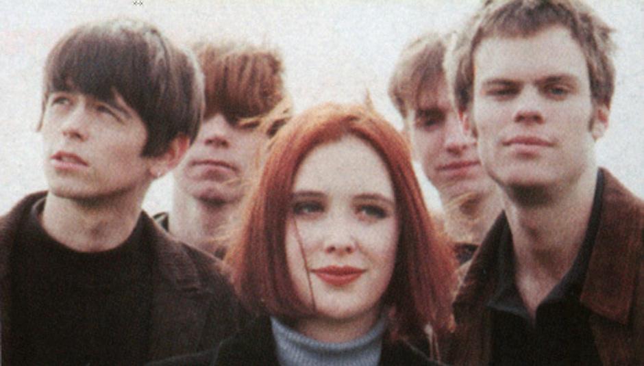 Jovens tímidos da década de 90: Scott, Nick, Rachel, Chris e Neil