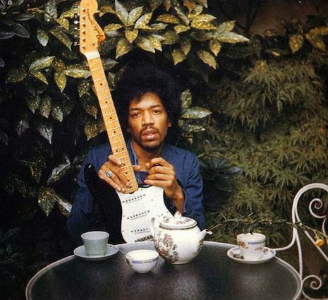 Uma das últimas fotografias de Hendrix, tirada um dia antes de sua morte
