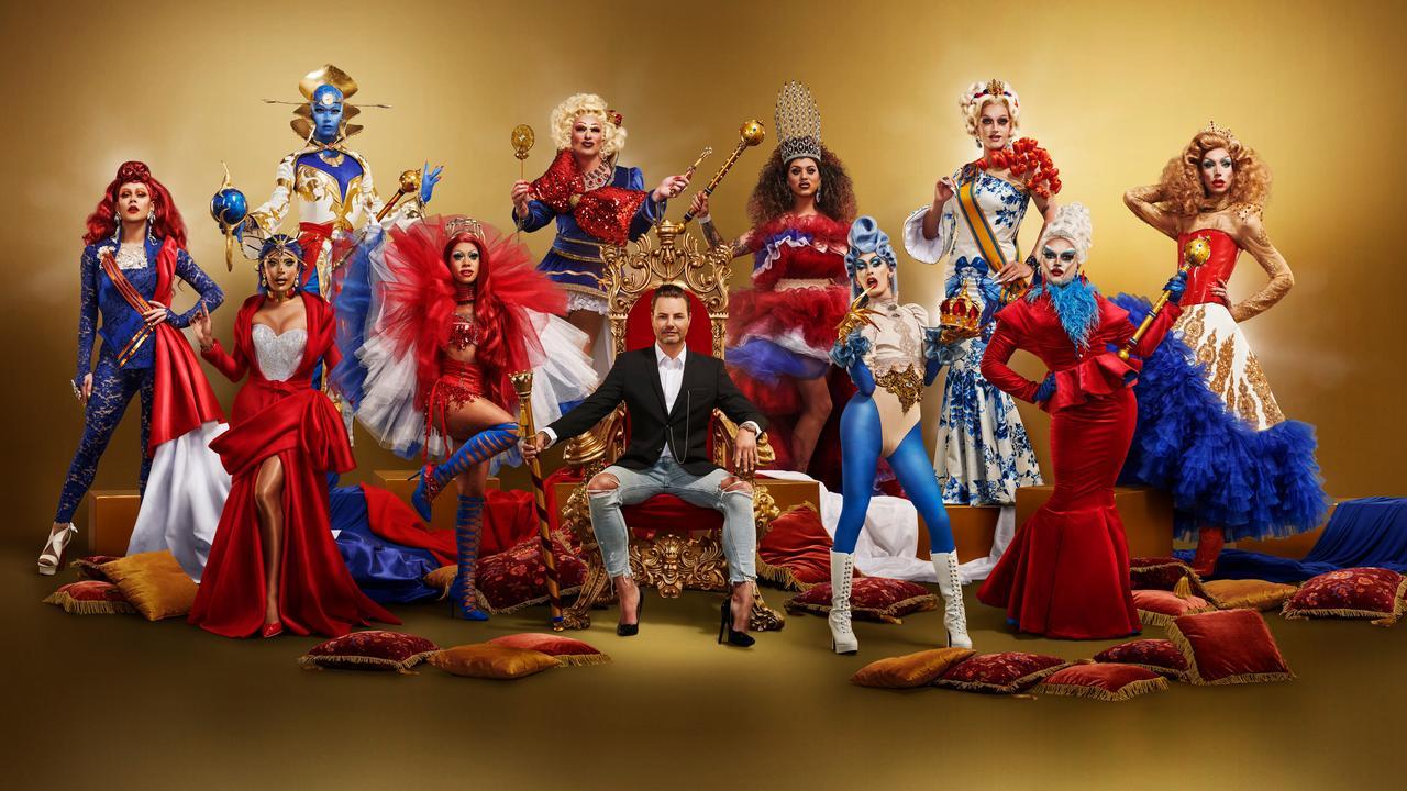A foto promocional da temporada, o fundo dourado e um homem branco sentado num trono vermelho e dourado, ao seu redor 10 drag queens posam para a foto, usando roupas das 3 cores da bandeira da Holanda: azul, vermelho e branco