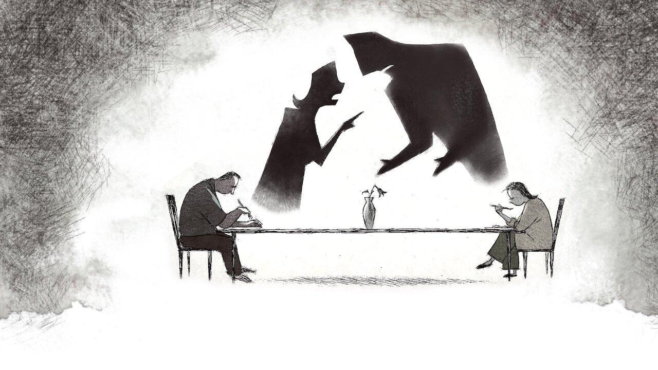 Cena do curta-metragem Se Algo Acontecer...Te Amo. Na ilustração, duas pessoas, um homem e uma mulher, estão sentados à mesa. A mesa é longa e cada um está em uma das pontas dela. Ambos estão cabisbaixos, enquanto fazem uma refeição. Logo atrás, vemos duas sombras pretas, de uma mulher e de um homem. As sombras estão brigando. No meio da mesa há uma flor morta. O desenho está em tons frios de cinza.