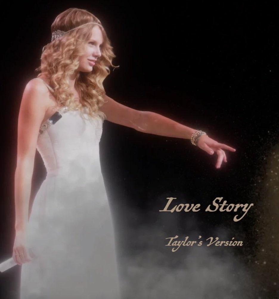 Capa do single Love Story (Taylor's Version), de Taylor Swift. Na imagem, existe uma fotografia da artista de quando ela tinha 16 anos posicionada no lado esquerdo da imagem. Na foto, Taylor, uma jovem branca, tem os cabelos loiros cacheados num comprimento médio enfeitados com um acessório prateado e usa um vestido de alças finas branco. Ela está inclinada para o lado direito da imagem, com o braço esquerdo estendido, usando uma pulseira na mão, e seu dedo indicador está apontado para fora da imagem. Na outra mão, que está junto ao seu corpo, Taylor segura um microfone branco. A artista sorri levemente e a imagem é um pouco esmaecida, com uma fumaça branca surgindo na linha inferior. No canto inferior direito, está escrito em uma fonte serifada clássica o nome da música em tons de bege amarelado.