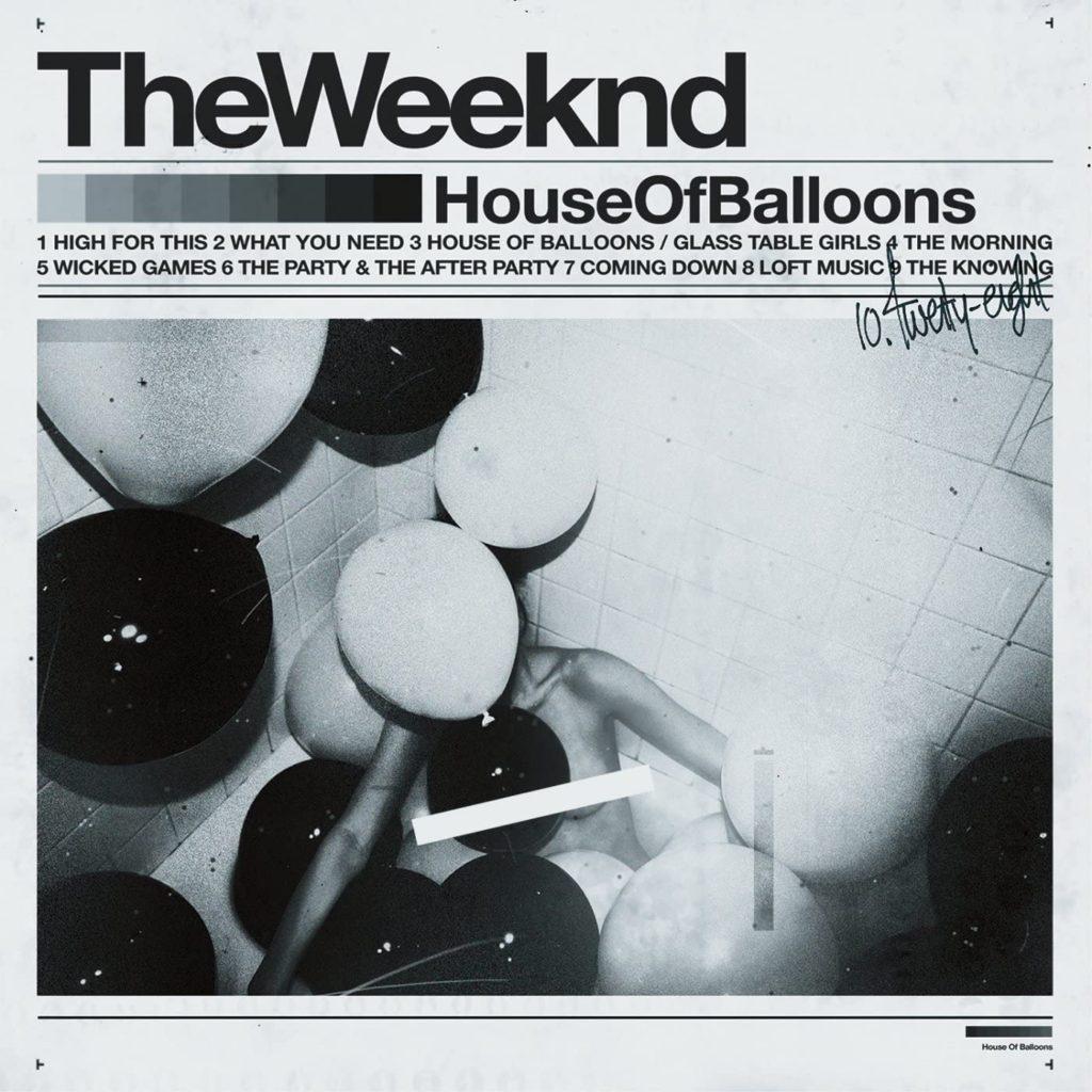 Capa do álbum House of Balloons de The Weeknd. A imagem mostra uma mulher sem roupa deitada em meio a balões brancos e pretos. Seu rosto e seu corpo estão cobertos por eles. Em volta da imagem há uma moldura cinza na qual, na parte superior, está escrito The Weeknd em letras garrafais pretas. Em baixo há um gradiente de tons de preto e ao lado a inscrição House of Balloons, também em preto. Em baixo ainda vemos a setlist do álbum e uma assinatura.