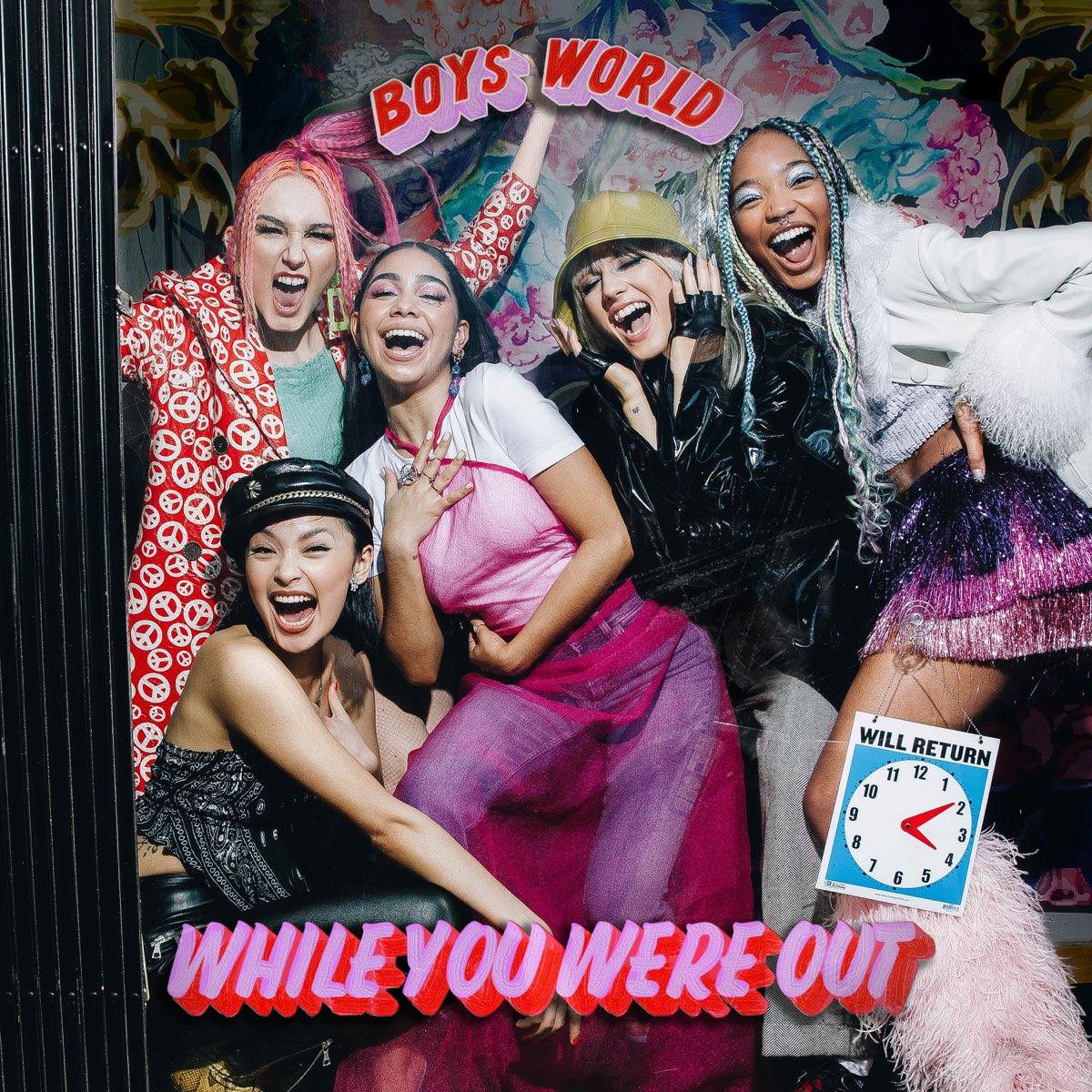 Capa do EP. Nela vemos uma porção de meninas sorrindo o nome da banda no topo em fonte rosa e o nome do EP embaixo, com a mesma fonte.
