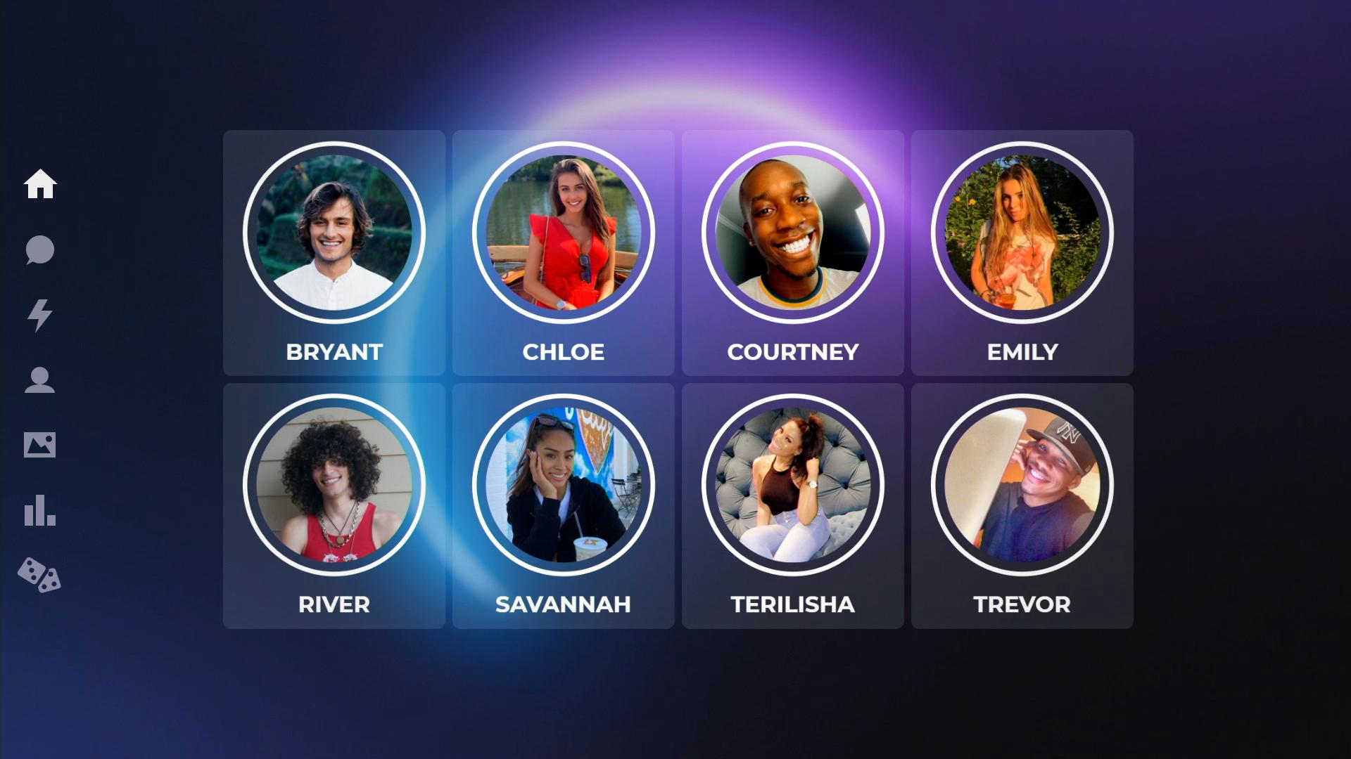Imagem do reality show The Circle. Na imagem, de fundo azul escuro, podemos ver ao centro 8 fotos dos participantes do reality show, com seus nomes - BRYANT, CHLOE, COURTNEY, EMILY, RIVER, SAVANNAH, TERILISHA E TREVOR - em baixo de suas respectivas fotos. Ao lado esquerdo, temos um menu que indica as páginas disponíveis do circle - FEED, CHAT, PARTICIPANTES, FOTOS, RANKING E JOGOS.
