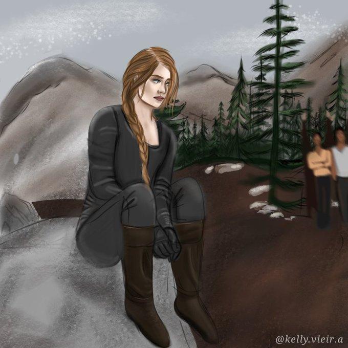 Fanart de uma cena do livro Corte de Chamas Prateadas. Nestha está sentada em uma rocha. A mulher branca veste uma roupa cinza e bota marrom. Seu cabelo castanho está preso em uma trança lateral. No fundo é possível ver dois personagens masculinos a observando. Os três estão em uma floresta no meio de montanhas.
