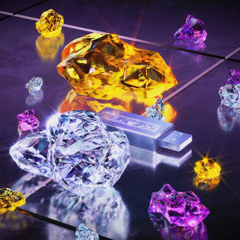 Capa do MF DOOM - Gazzillion Ear (Thom Yorke Man on Fire Remix). Imagem quadrada renderizada. No centro há um pendrive rodeado por cristais brilhantes de tamanhos variados, nas cores âmbar, roxo e translúcido. Os cristais refletem brilhos. O piso onde estão os objetos parece ser cerâmico, na cor roxa e polido.